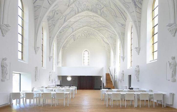Herbestemmen van parochiekerken